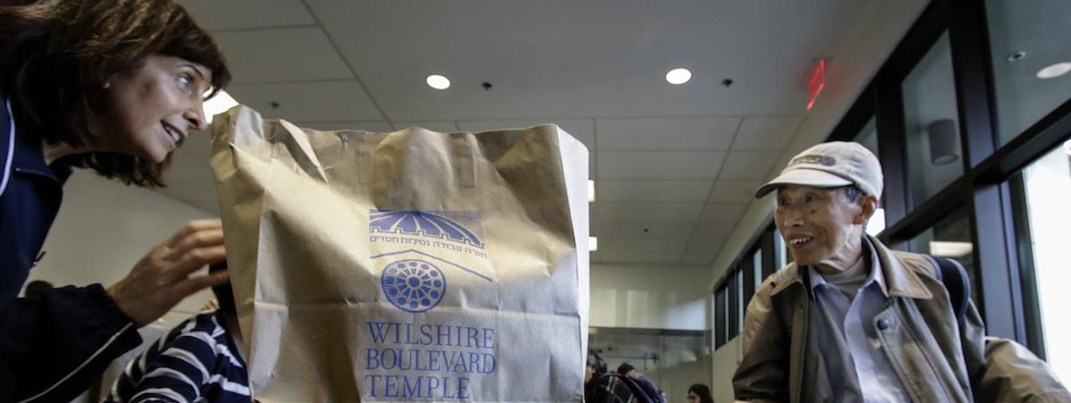 food bag for elderly person